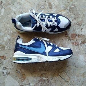 Nike Shoes - Nike Air Max size 9